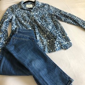 100% cotton button down blue& White blouse